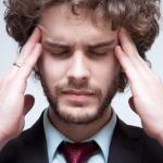 二日酔いの頭痛を治すツボはどこ?効果な押し方はある?